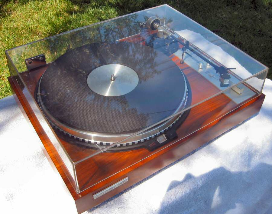Concept 2QD Turntable by Pacific Stereo w/Shure V-15 Type III